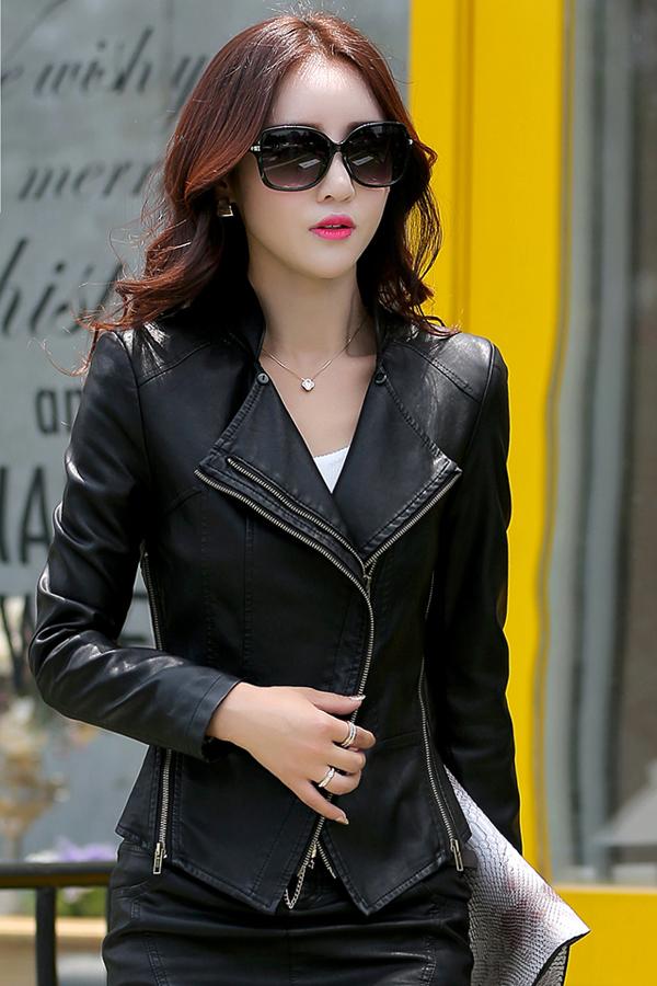 เสื้อแจ็คเก็ต เสื้อหนังแฟชั่น พร้อมส่ง สีดำ ทำจากหนังแกะสังเคราะห์ หนังเนื้อนิ่ม Premium Quality สินค้าสวยหนังดี เหมือนแบบ 100% ค่ะ คัตติ้งดี งานเนี๊ยบ
