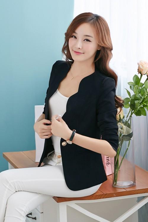 เสื้อสูทแฟชั่น เสื้อสูทผู้หญิง พร้อมส่ง สีดำ เนื้อผ้าโพลีเอสเตอร์ อย่างดี ไม่หนา ใส่สบาย มีซับในทั้งชุดค่ะ งานสวยเหมือนแบบ 100% ค่ะ