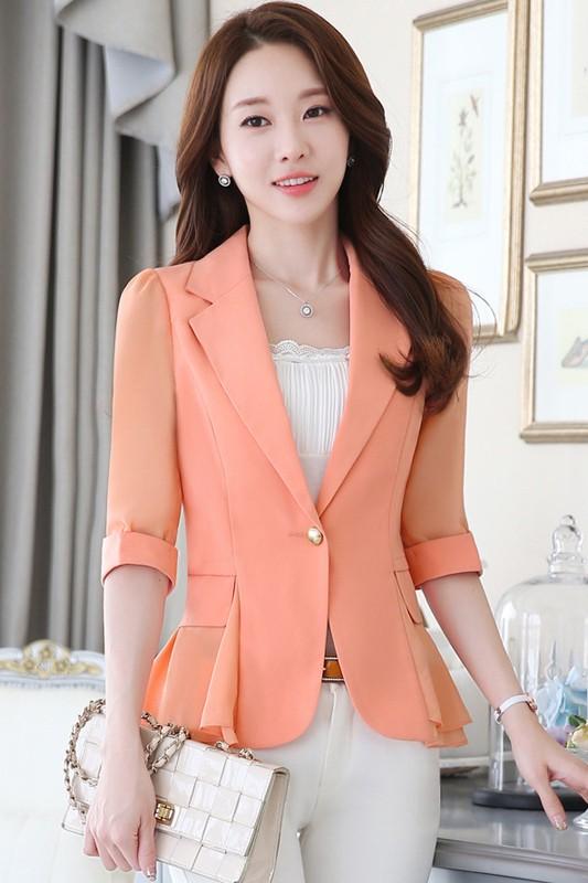 เสื้อสูทแฟชั่น เสื้อสูทสำหรับผู้หญิง พร้อมส่ง สีส้ม ผ้าคอตตอน 100 % เนื้อดี คุณภาพงานพรีเมี่ยม งานตัดเย็บเนี๊ยบ ไม่มีซับในระบายอากาศได้ค่ะ