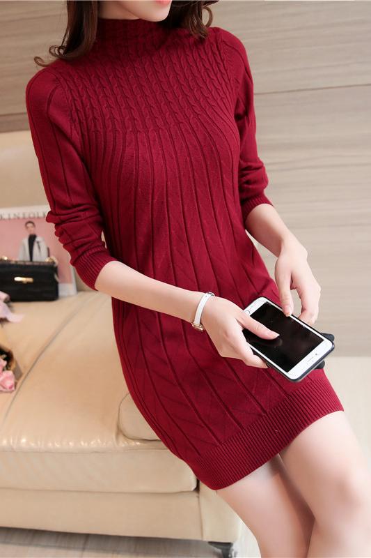 เสื้อกันหนาวไหมพรม คอปิด สีแดง พร้อมส่ง ใส่กันหนาวได้ค่ะ ผ้าไหมพรมมีความยืดหยุ่นได้ แต่งลายน่ารักแขนยาว ตัวยาวคลุมสะโพก