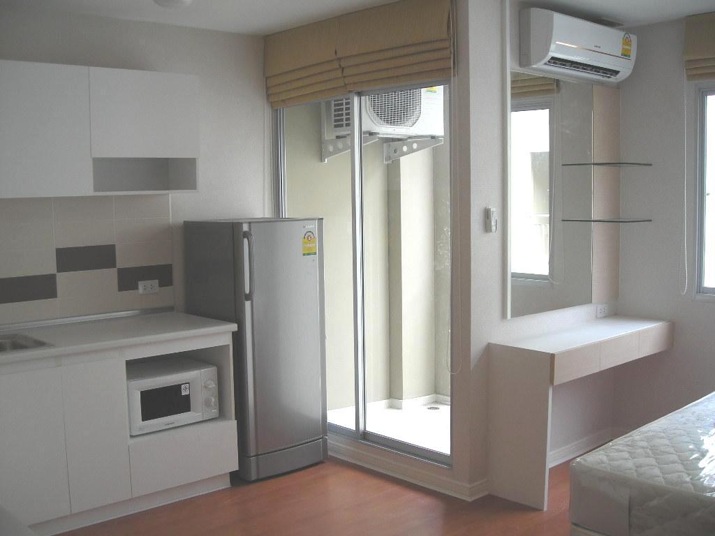 ให้เช่าคอนโด ลุมพินี ทาวน์ รามอินทรา หลักสี่ตึก Lumpini Condotown/Ville Raminthra-Laksi ห้องสตูดิโอ ตึก C1 ชั้น 6 พื้นที่ 25 ตรม. ราคา 6500 / เดือน ชุดครัว+เฟอร์นิเจอร์บิวด์อิน +วอล์วเปเปอร์ทั้งห้อง