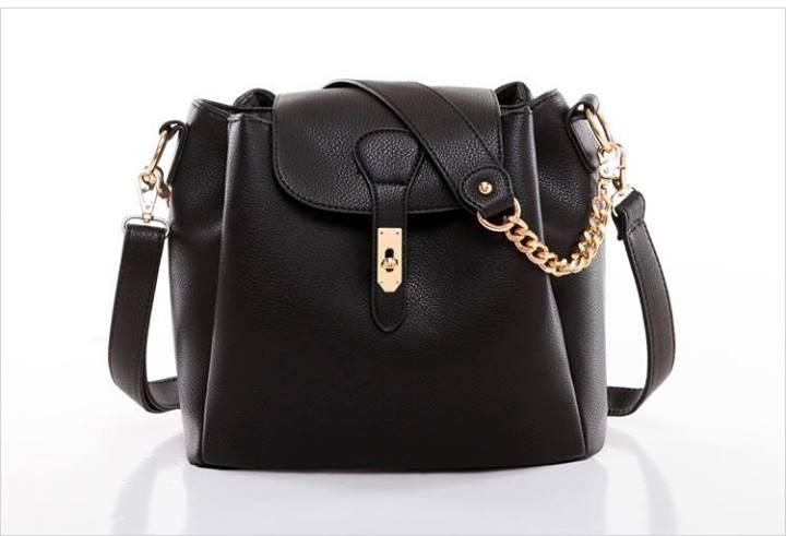 กระเป๋า AXIXI สไตล์ญี่ปุ่น และสไตล์เกาหลี มีให้เลือก 2 สี สีขาวงาช้าง และสีดำโมเดิร์น ร้าน Asia Street Fashion