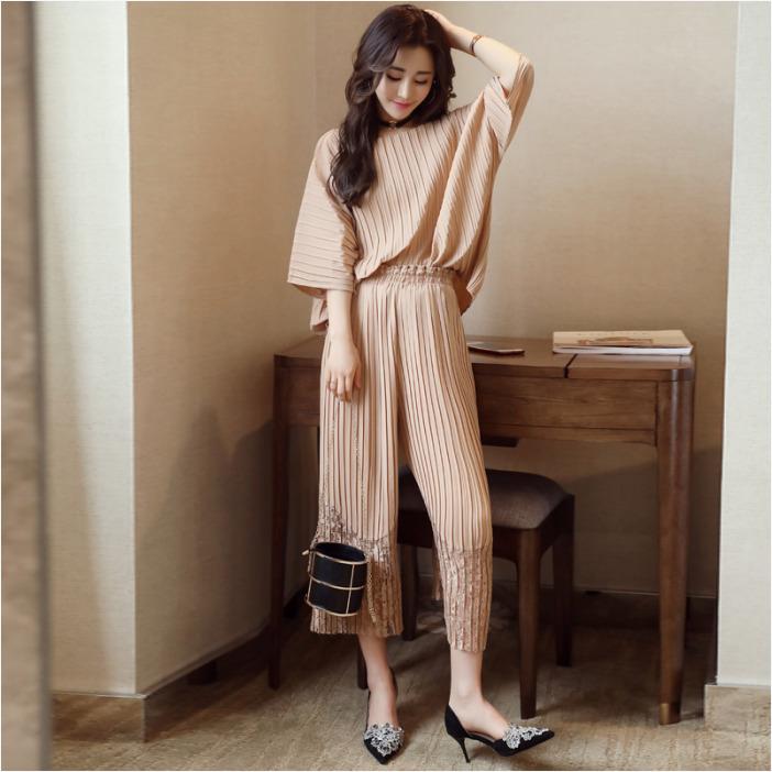 ชุดเซ็ทแฟชั่นสีน้ำตาล เสื้อ - กางเกง แนวเรียบๆสวยดูดี สไตล์เกาหลี