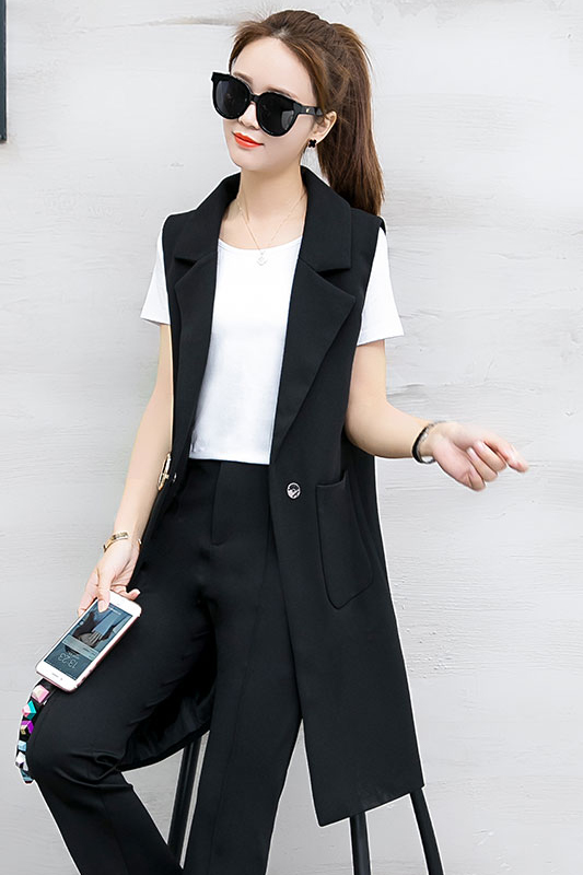 เสื้อกั๊กสูทแฟชั่น เสื้อกั๊กแฟชั่น เสื้อดำ เสื้อสูทแขนกุด พร้อมส่ง สีครีม เนื้อผ้าPolyester งานสวย คุณภาพดี