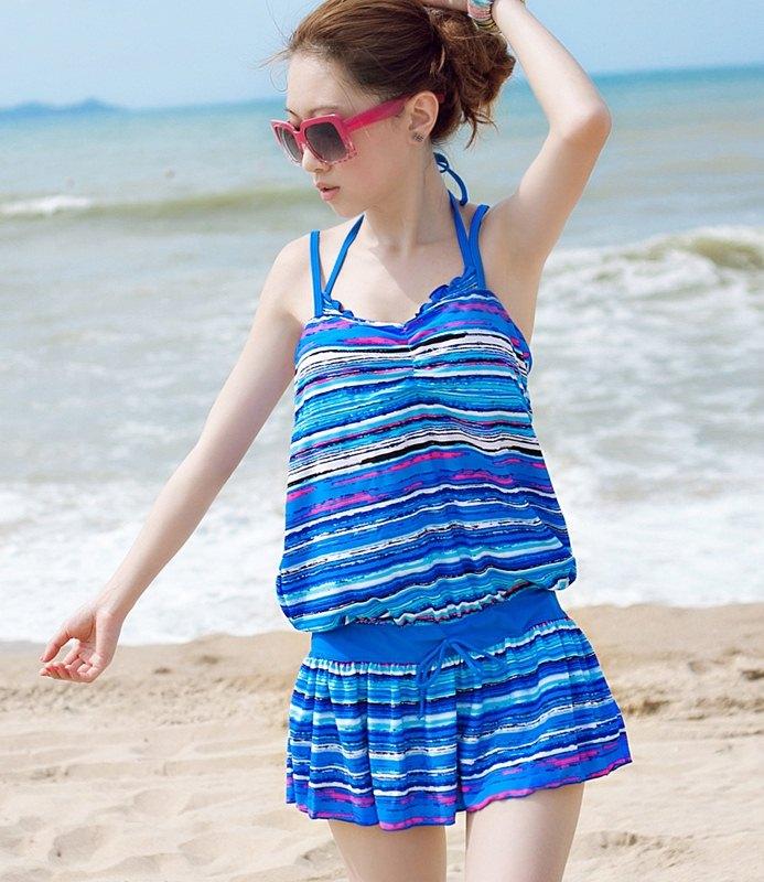 ชุดว่ายน้ำทูพีช เซ็ตคู่ชุดชั้นในเข้ากับชุด สีน้ำเงินสลับสี ลายทางเก๋ๆ ชุดเดรสแต่งสายรูดเอว