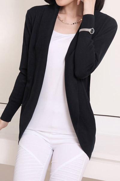 เสื้อคลุมแฟชั่น พร้อมส่ง สีดำ แขนยาว แต่งด้วยปกโฉบเฉี่ยวยอดนิยม! เนื้อผ้ามีความยืดหยุ่นนิดหน่อยค่ะ ใส่เป็นเสื้อคลุมกันแดด กันหนาว หรือ ใส่ในห้องแอร์ค่ะ
