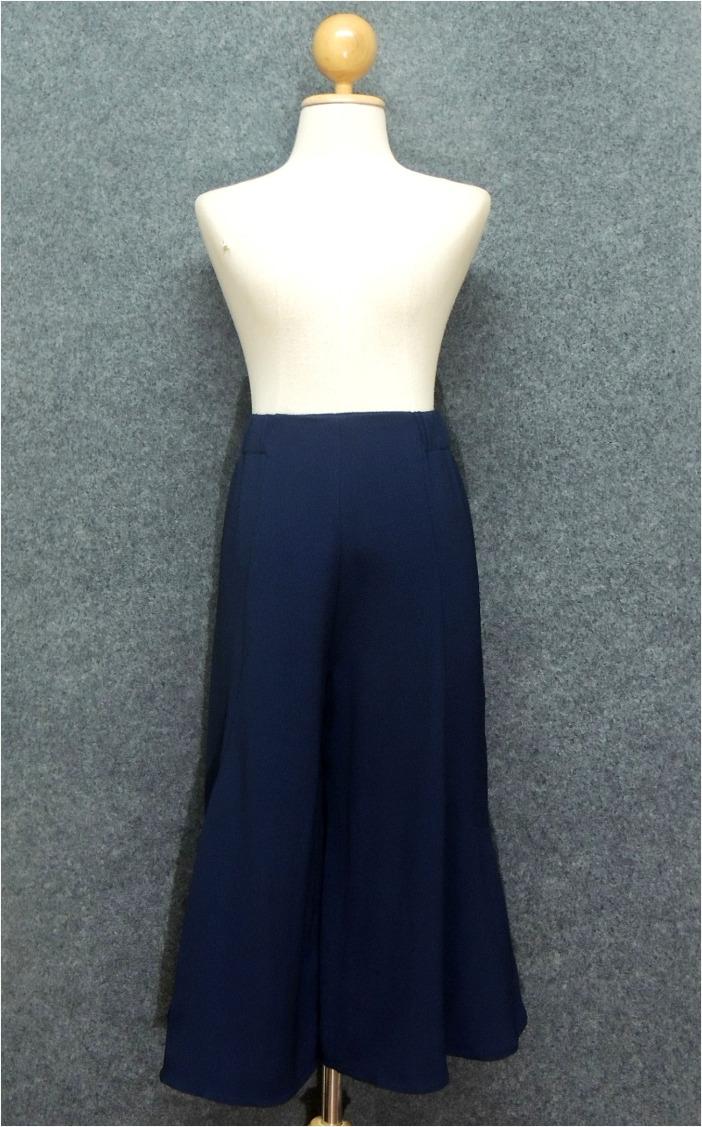 กางเกงขากว้างสีน้ำเงินกรมท่า ผ้าชีฟองเนื้อทราย เอวยืด แต่งซิปหน้า สวยเก๋ สวมใส่สบาย