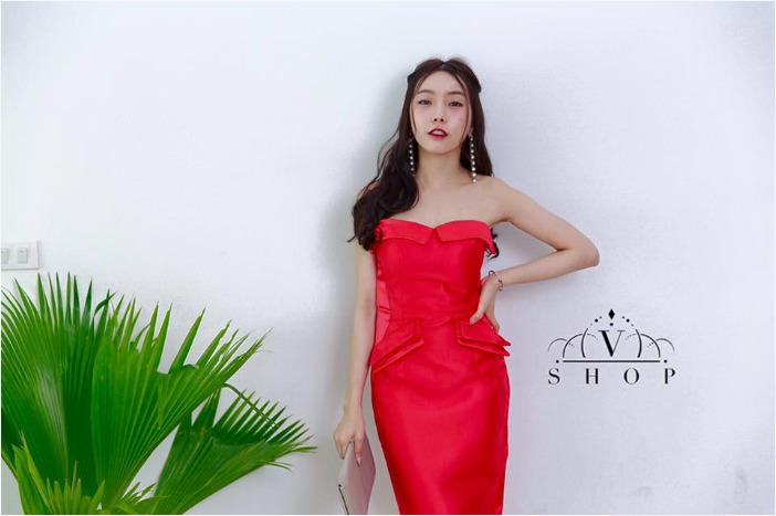 ชุดออกงาน ชุดไปงานแต่งงานสีแดง เดรสเกาะอก ผ้าไหมเทียม ลุคสวยหรู เซ็กซี่