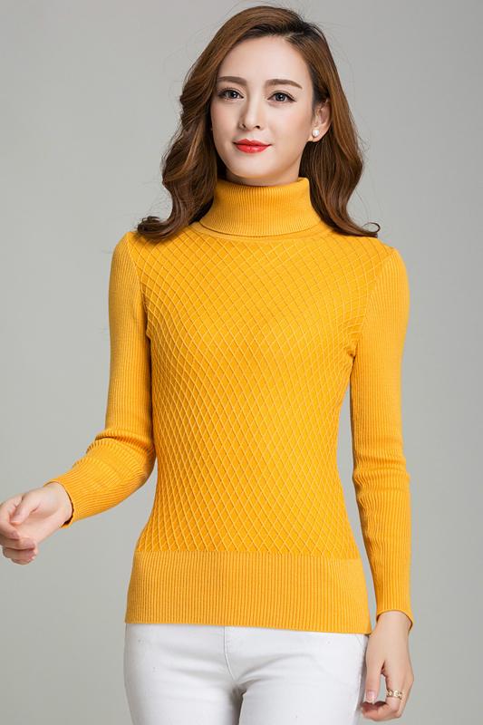 เสื้อกันหนาวไหมพรม สีเหลือง คอเต่า พร้อมส่ง ใส่กันหนาวได้ค่ะ ผ้าไหมพรมมีความยืดหยุ่นได้ แขนยาว ดีเทลลายตารางน่ารักๆ ตัวยาว คลุมสะโพก เนื้อนิ่มใส่สบายค่ะ