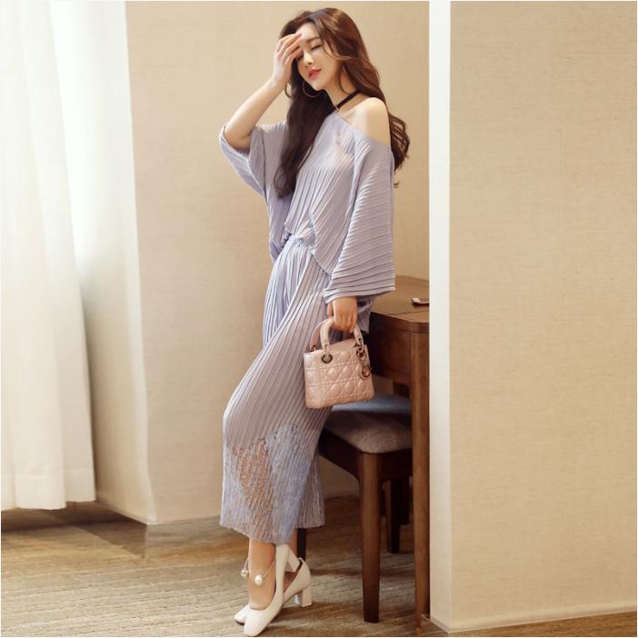 ชุดเซ็ทแฟชั่นสีเทา เสื้อ - กางเกง แนวเรียบๆสวยดูดี สไตล์เกาหลี