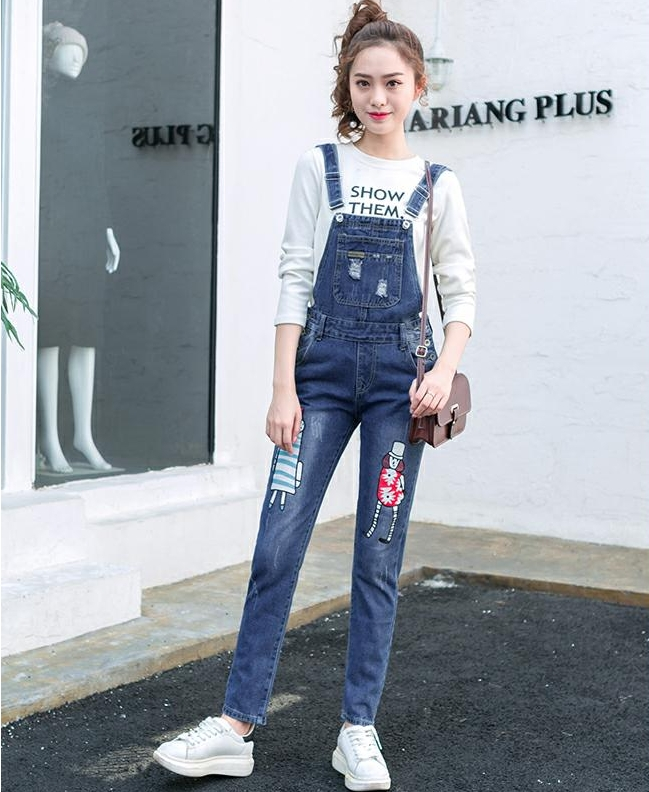 เอี๊ยมกางเกงขายาว พร้อมส่ง สียีนส์เข้ม ฟอกสีสวย แต่งขาดเซอร์ๆสุดเท่ห์แต่ลายปะตัวการ์ตูนน่ารัก ขายาว แบบใหม่สไตล์เกาหลี