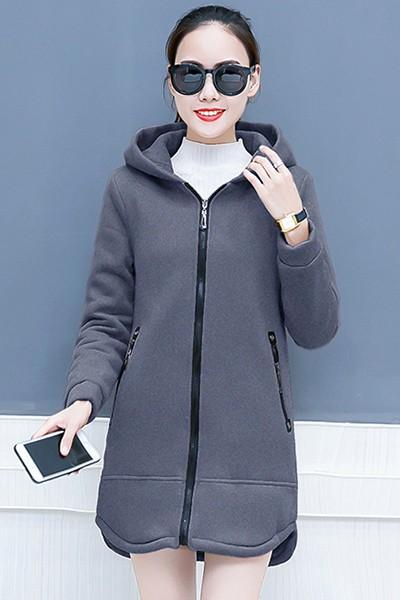 เสื้อกันหนาว พร้อมส่ง สีเทา ผ้าฟลีซ ใส่สบาย แบบเรียบเก๋ ซิบรูดใช้งานได้สะดวก มีฮูท อินเทรนสุดๆ สำหรับหนาวนี้