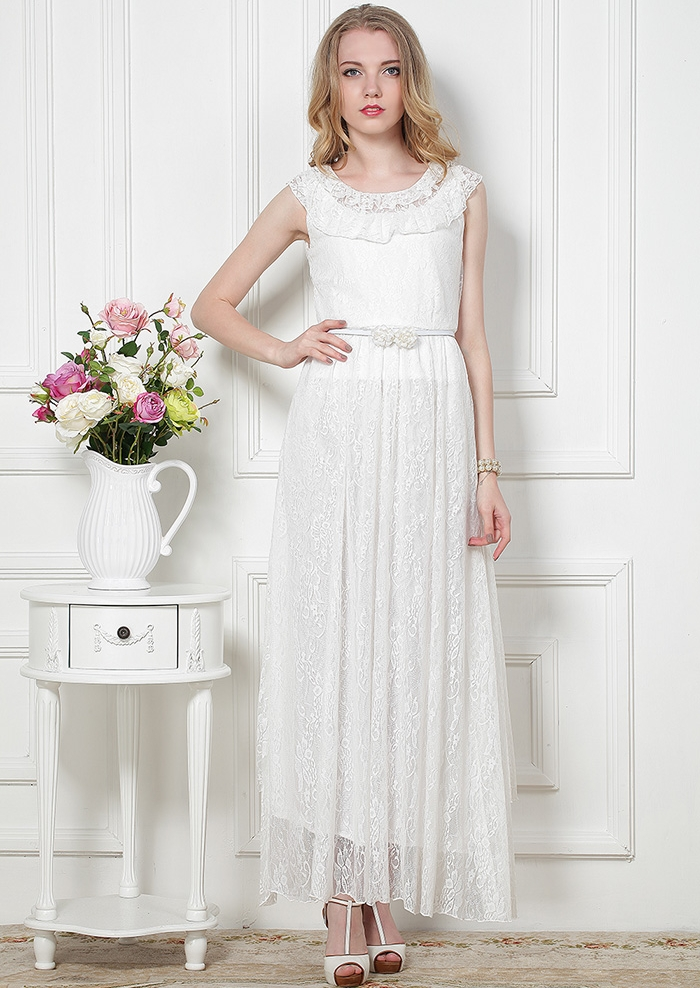 MAXI DRESS ชุดเดรสยาว พร้อมส่ง สีขาว ลายลูกไม้ ดีเทลระบายลูกไม้ช่วงคอเสื้อน่ารัก เอวล็อค มาพร้อมเข็มขัดเข้ากับตัวชุด สามารถใส่ออกงานได้