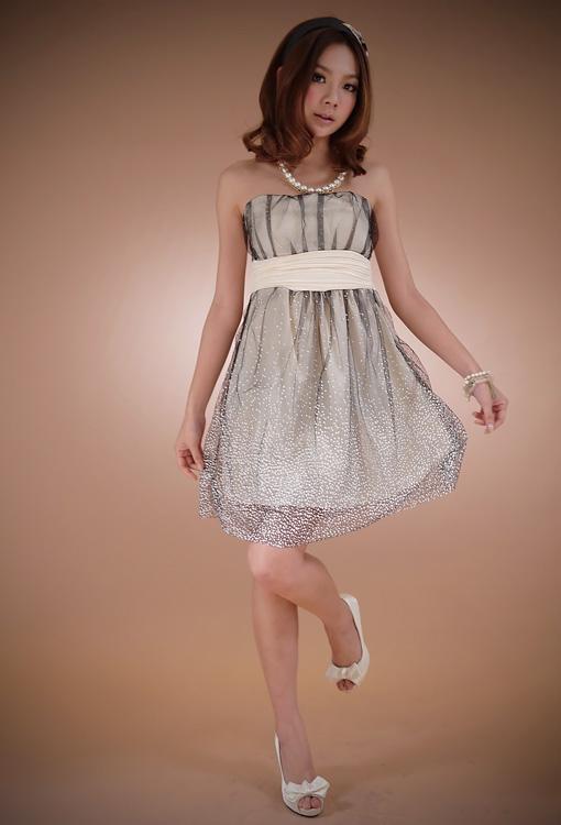 dress ชุดเดรสแฟชั่นใส่ออกงาน ผ้าซาติน สีครีม ตาข่ายสีดำ แต่งจุด สม็อคช่วงอกด้านหลัง น่ารัก ใส่ไปงานแต่งงาน สวยๆ