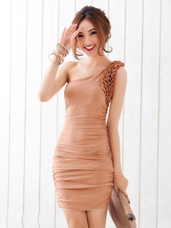 dress เดรสเข้ารูป เปิดไหล่ แฟชั่นเกาหลี แต่งระบายช่วงแขน สีน้ำตาล ใส่ออกงานกลางวัน สวยมากๆ ค่ะ Asia Street Fashion