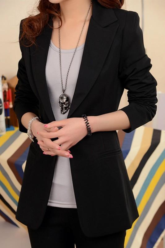 เสื้อสูททำงาน พร้อมส่ง เสื้อสูทสีดำ ตัวยาวคลุมสะโพก แขนยาว ติดกระดุมเม็ดเดียวเก๋ งานสวยเหมือนแบบแป๊ะค่ะ มีกระเป๋าใช้งานได้ค่ะ มีซับใน เหมาะสำหรับใส่ทำงาน หรือปรับใส่เป็นสูทลำลองได้