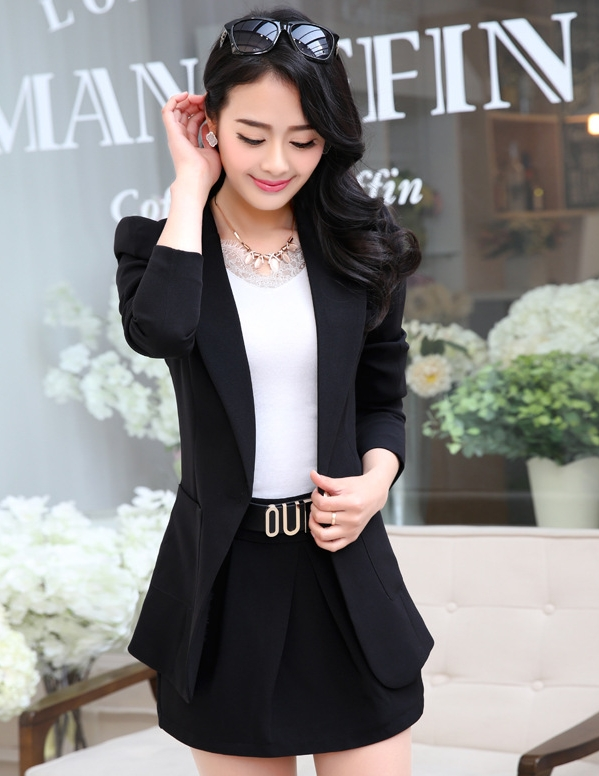 เสื้อสูทแฟชั่น พร้อมส่ง สีดำ แขนยาว คอปก ตัวยาว คลุมสะโพก ทรงเข้ารูป งานสวยดีไซน์เก๋มากๆ