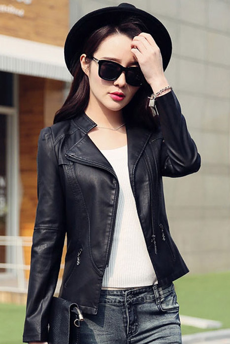 เสื้อแจ็คเก็ต เสื้อหนังแฟชั่น พร้อมส่ง สีดำ คอจีน ดีเทลด้วยปกโฉบเฉี่ยว แต่งกระเป๋าหลอกด้วยซิบรูด สุดเท่ห์