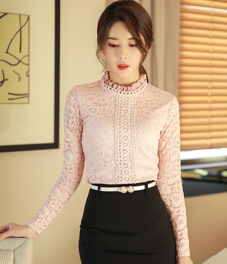 เสื้อลูกไม้แฟชั่น พร้อมส่ง สีชมพู เสื้อลูกไม้ แต่งด้วยลายฉลุ แขนยาว คอจีนแต่งจับจีบน่ารัก ใส่ออกงานได้ค่ะ