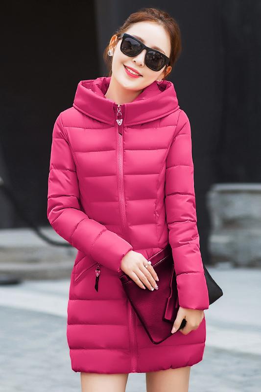 เสื้อโค้ทแฟชั่น พร้อมส่ง สีชมพูบานเย็น สีสดใส ตัวยาวคลุมสะโพก ผ้าร่ม กันลมหนาวได้ดีเลยค่ะ มีฮูท ลายทางเก๋ มีกระเป๋า