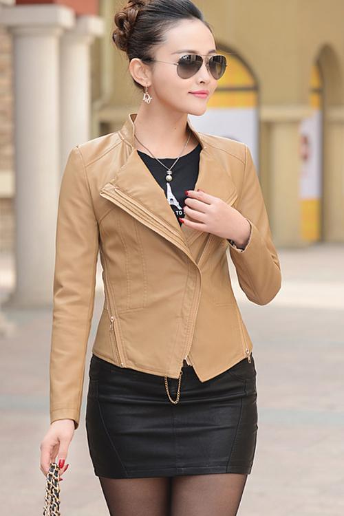 เสื้อแจ็คเก็ต เสื้อหนังแฟชั่น พร้อมส่ง สีกากี ทำจากหนังแกะสังเคราะห์ หนังเนื้อนิ่ม Premium Quality สินค้าสวยหนังดี เหมือนแบบ 100% ค่ะ คัตติ้งดี งานเนี๊ยบ