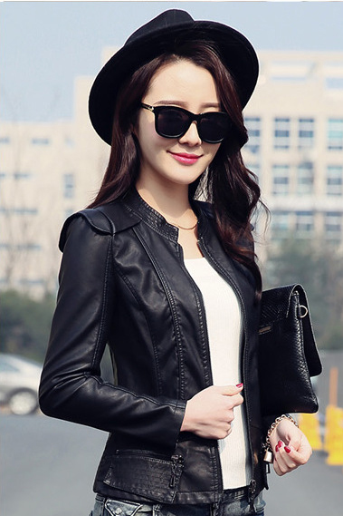 เสื้อแจ็คเก็ต สีดำ หนัง PU พร้อมส่ง คอจีน แขนยาว ดีเทลเย็บตะเข็บตรงหัวไหล่สุดเท่ห์ แต่งกระเป๋าหลอกด้วยซิบรูดเก๋