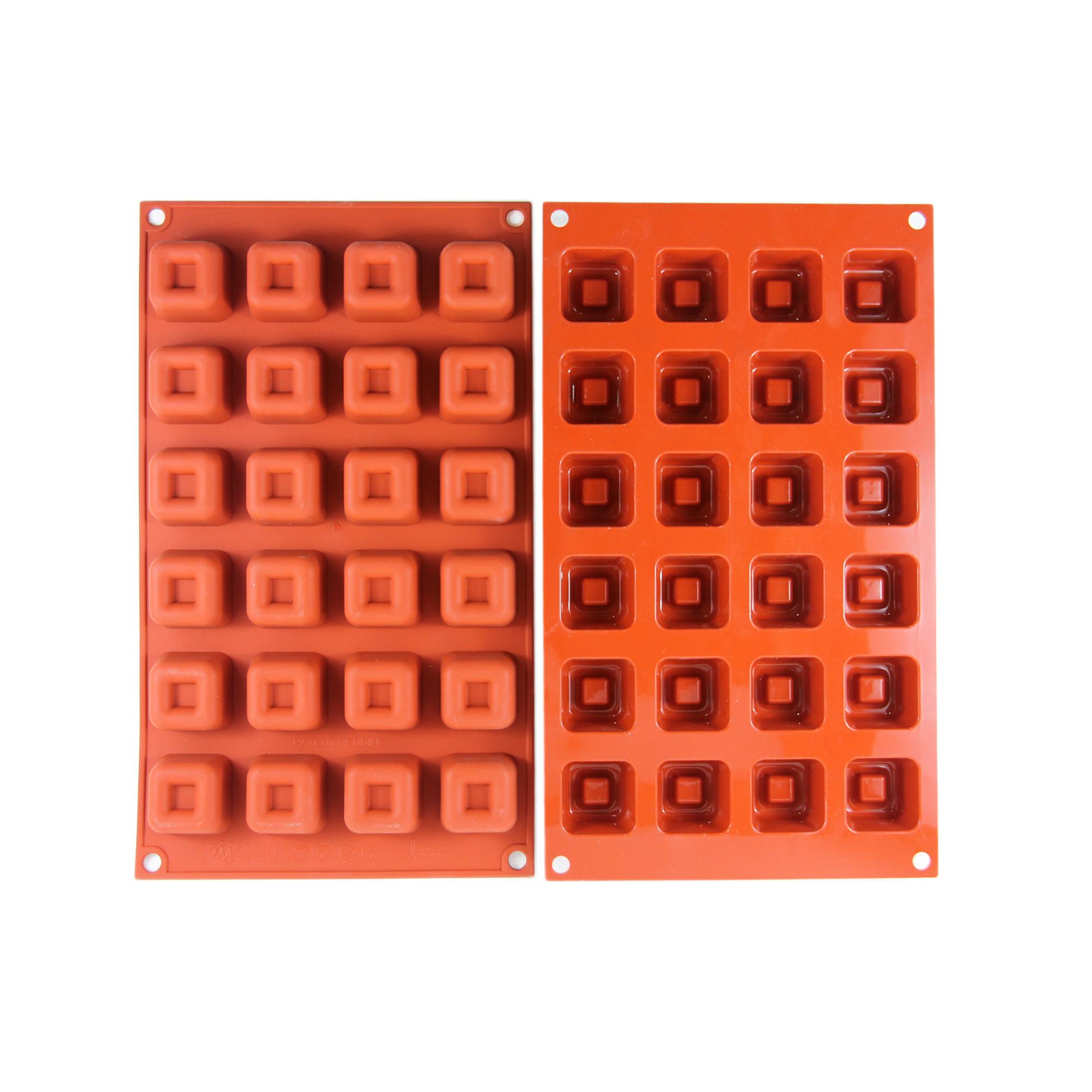 Silikomart พิมพ์ซิลิโคน SF080 Small Square Savarin