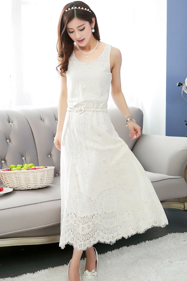 MAXI DRESS ชุดเดรสยาว พร้อมส่ง สีขาว แขนกุด ผ้าลูกไม้เนื้อนิ่ม ใส่สบาย ลวดลายสวยหวาน ใส่ออกงานได้ มาพร้อมเข็มขัดเข้าชุด