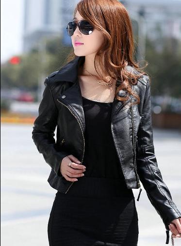 เสื้อแจ็คเก็ต เสื้อหนังแฟชั่น พร้อมส่ง สีดำ ดีเทลด้วยคอปกโฉบเฉี่ยว แขนยาว แต่งด้วยซิปรูด สุดเท่ห์ แต่งหัวไหล่เก๋มากๆ