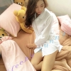 ชุดนอนผ้า Cotton 100% เป็นอย่างไร มารู้จักกับคุณสมบัติของผ้ากันค่ะ