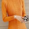 เสื้อกันหนาวไหมพรมสีเหลืองอมส้ม คอเต่า พร้อมส่ง แต่งลวดลายด้านหน้าเก๋ ด้านหลังเรียบๆ แขนยาว ตัวสั้น ใส่กันหนาวได้ค่ะ ผ้าไหมพรมมีความยืดหยุ่นได้ อุ่นๆใส่กันหนาวได้ สินค้าจริงน่ารัก งานสวยเหมือนแบบเลยค่ะ