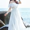 MAXI DRESS ชุดเดรสยาว พร้อมส่ง สีขาว ผ้าชีฟองเนื้อผ้าวิ้งๆ สวยมากๆค่ะ ดีเทลระบายเป็นชั้นช่วงคอเสื้อ กระโปรงบานพริ้วๆ ใส่ได้ 2 แบบ ค่ะ จะใส่แบบเปิดไหล่ น่ารักๆ หรือ ใส่แบบเกาะอกเซ็กซี่เบาๆ ก็ได้ค่ะ มีซับใน เอวยางยืด (สินค้าไม่รวมเข็มขัดค่ะ)