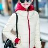 เสื้อกันหนาว พร้อมส่ง สีขาว ผ้าร่ม กันลมหนาวได้ดีเลยค่ะ อุ่นมากๆ แบบซิบรูด มีฮูทสุดเท่ห์ งานสวยเหมือนแบบแน่นอนค่ะ แขนยาว จั้มปลายแขนและชายเสื้อด้วยสีแดงเก๋ กระเป๋าสองข้างใช้งานได้