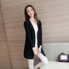 In Style เสื้อคลุมคาดิแกนไหมพรม แต่งลายริ้วเปียช่วงแขน. สีดำ