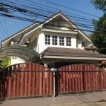 ขายบ้านเดี่ยว 2 ชั้น โครงการหมู่บ้านวังทอง ราคา 6.5 ล้าน ค่าโอนคนละครึ่ง พื้นที่ 50 ตร.ว
