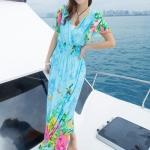 maxi dress ชุดเดรสยาว พร้อมส่ง สีฟ้า คอวีลึก ลายดอกไม้สีสัน สม๊อคช่วงเอว สวยมากๆค่ะ ใส่สบาย