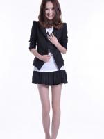 Suit สูทตัวสั้น สีดำ ไหล่ยกสูง ช่วงหลังเสื้อแต่งเป็นระบาย น่ารัก สำหรับสาวมั่น สาวออฟฟิต