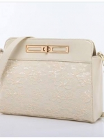กระเป๋า Axixi กระเป๋าสไตล์ญี่ปุ่น และสไตล์เกาหลี ทำจากวัสดุ PU ให้คุณสมบัติพื้นผิวที่อ่อนนุ่ม สีขาวงาช้าง