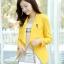 เสื้อคลุมแฟชั่น พร้อมส่ง สีเหลือง แต่งด้วยปกโฉบเฉี่ยวยอดนิยม ดีเทลปลายแขนด้วยซิบรูดสุดเท่ห์ แต่งกระเป๋าหลอกเก๋ thumbnail 5