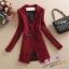 เสื้อสูทแฟชั่น เสื้อสูทตัวยาว พร้อมส่ง สีแดง ลายตารางตัดขาว คอปก แขนยาว ตัวยาวคลุมสะโพก thumbnail 6