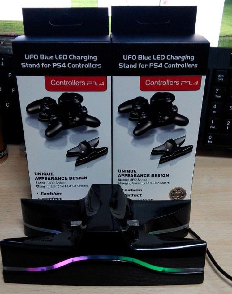 แท่นชาร์จจอย PS4 LED